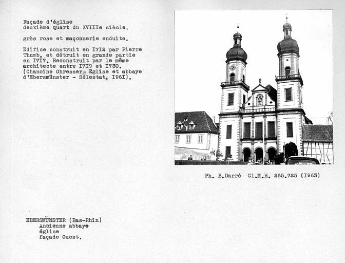Vue d'ensemble de la façade et des deux clochers ouest