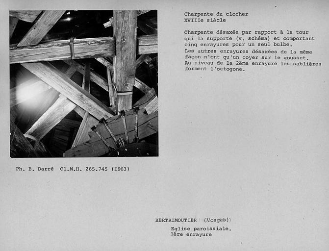Charpente du clocher vue par dessous, première enrayure, aperçus sur les enrayures supérieures