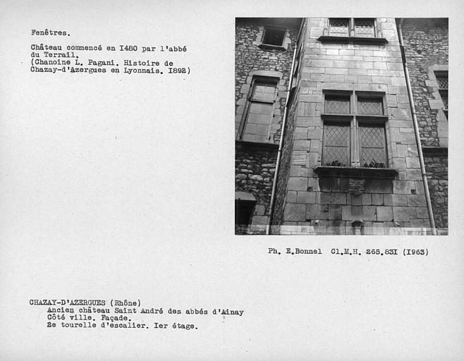 Fenêtre au premier étage de la deuxième tourelle d'escalier