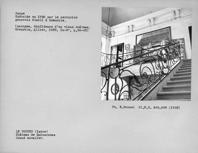 Rampe d'escalier en fer forgé du grand escalier côté est, exécutée par le serrurier genevois établi à Grenoble