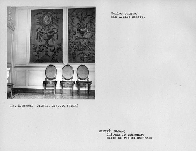 Toiles peintes côté sud du salon à gauche du hall d'entrée