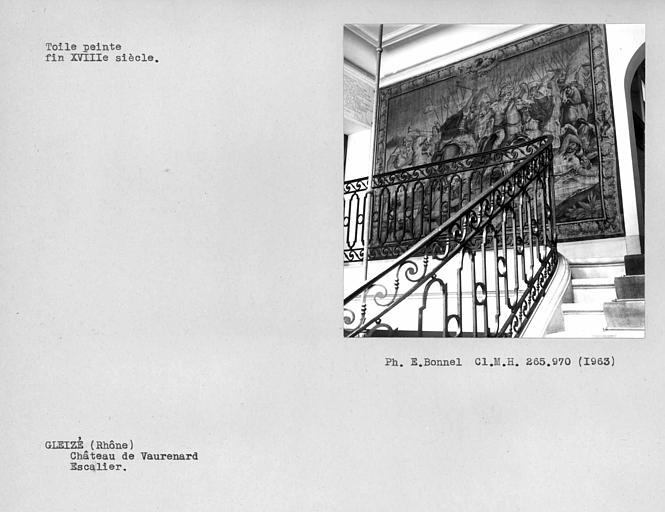 Rampe en fer forgé de l'escalier monumental, toile peinte