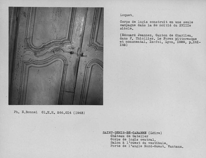 Décor de la salle à manger à droite du vestibule au rez-de-chaussée, loquet du vantail de porte du grand salon de la façade sud