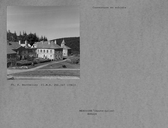 Couverture en schiste des toitures, vue d'ensemble