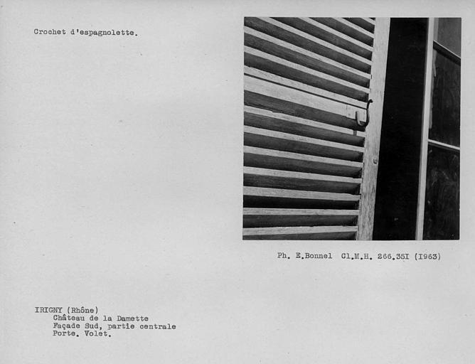 Crochet d'espagnolette du volet de porte de la façade sud