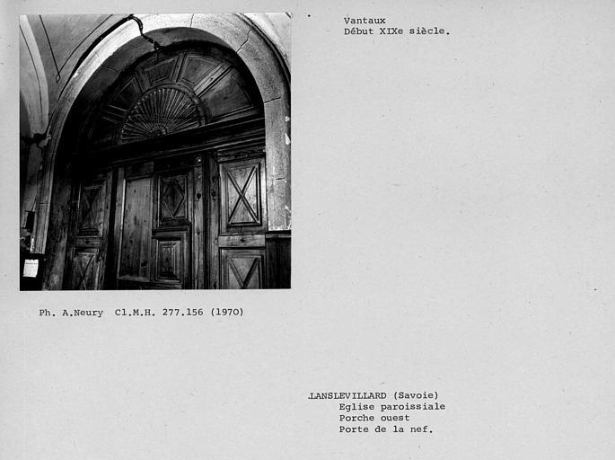 Partie supérieure et imposte face côté porche des vantaux de la porte ouvrant sur la nef du porche ouest