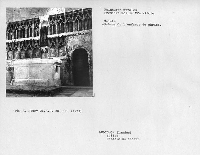 Ensemble de l'autel et du retable sculpté et peint du choeur
