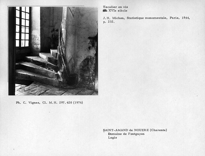 Escalier en vis du corps de logis