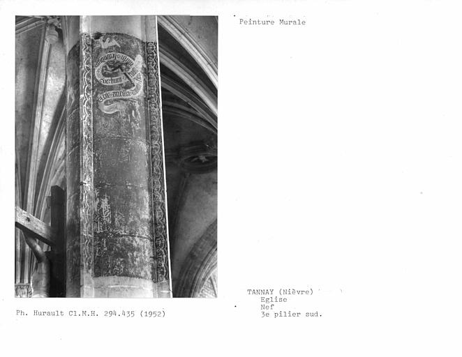 Peinture murale sur un côté du troisième pilier sud de la nef