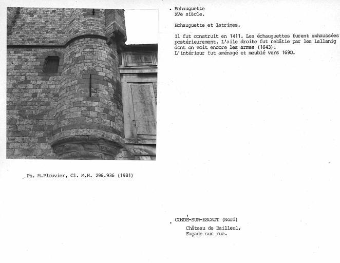 Château de Bailleul et immeubles accolés
