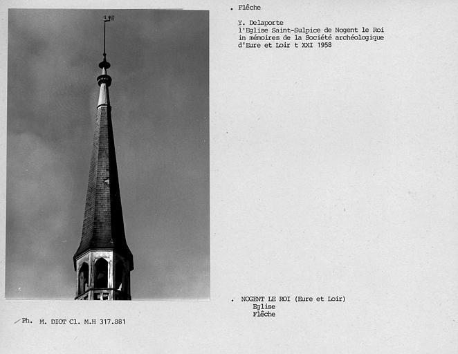 Flèche du clocher à la croisée du transept