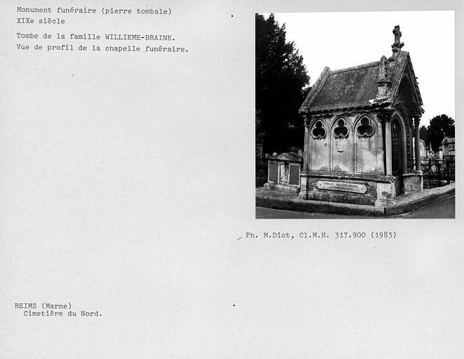 Tombe de la famille Willième-Braine, vue de profil