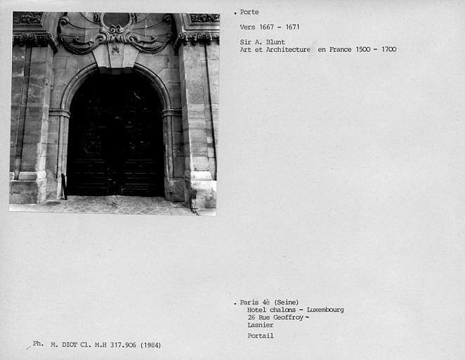Porte du portail