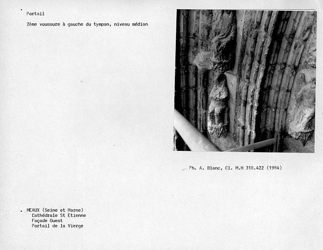 Façade ouest, portail de la Vierge, deuxième voussure à gauche du tympan au niveau médian
