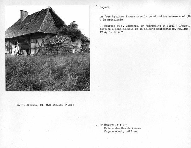 Maison en pan-de-bois, côté sud-ouest de la façade ouest, vue extérieure du four