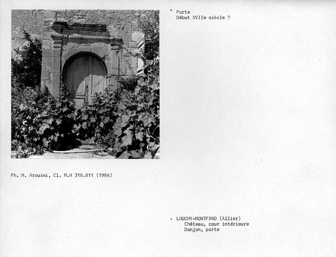 Porte d'accès au donjon
