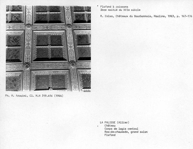 Corps de logis central, plafond à caissons du grand salon au rez-de-chaussée
