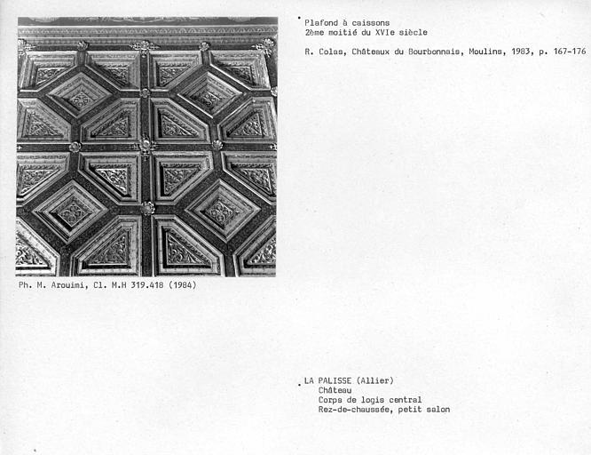 Corps de logis central, plafond à caissons du petit salon au rez-de-chaussée