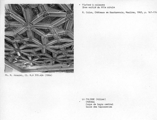 Corps de logis central, plafond à caissons de la salle des tapisseries au premier étage