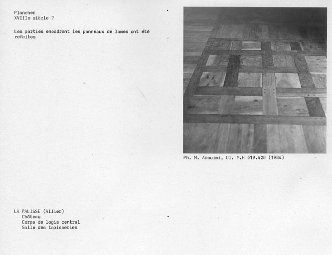 Corps de logis central, parquet de la salle des tapisseries au premier étage