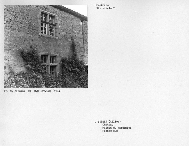 Fenêtres de la maison du jardinier, façade sud