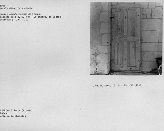 Porte à plissé serviette de la chapelle