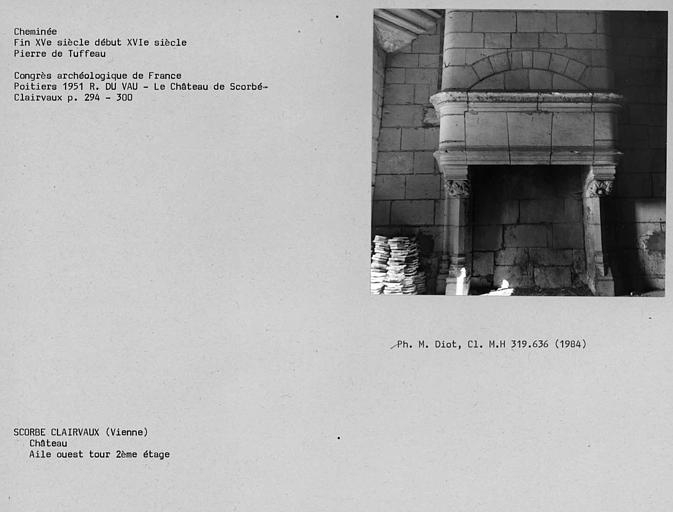 Cheminée de la Tour de l'aile ouest, deuxième étage
