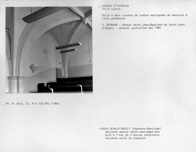 Rez-de-chaussée de l'aile nord-ouest, voûtes à nervures de l'ancienne salle du chapitre