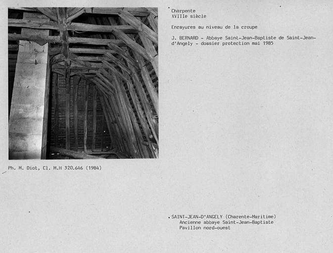 Charpente du pavillon nord-est, enrayures au niveau de la croupe