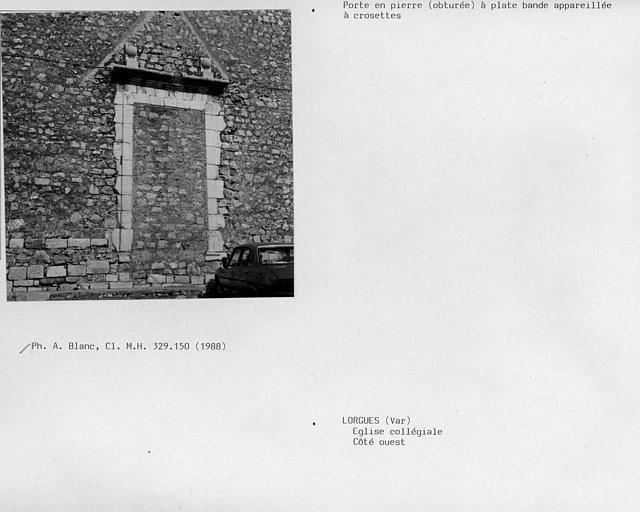 Porte côté ouest, porte en pierre obturée à plate-bande appareillée à crossettes