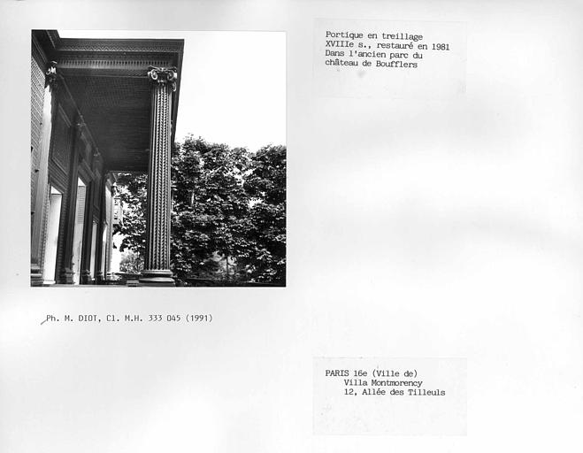 Portique en treillage, restauré dans l'ancien parc du château de Boufflers
