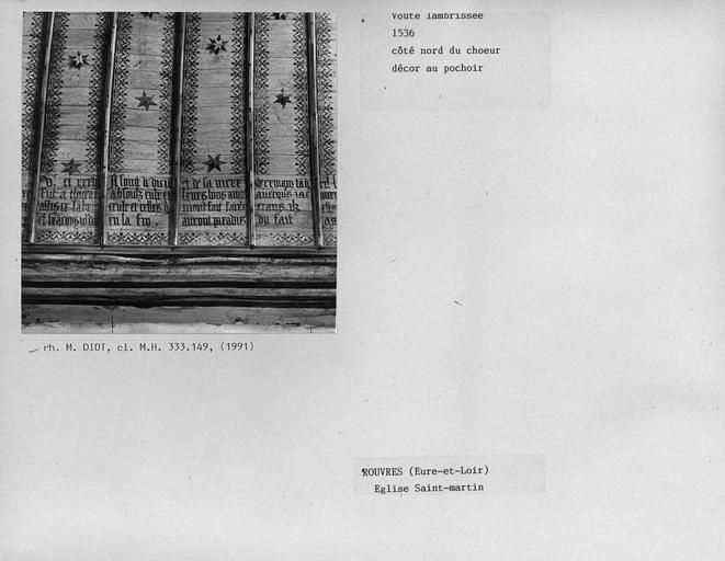 Charpente lambrissée du choeur côté nord, décor au pochoir