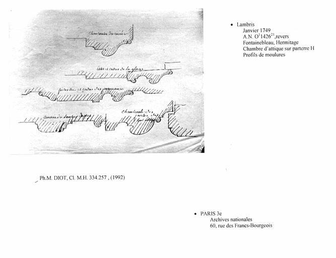 Lambris dessiné pour le projet de la chambre d'attique sur le parterre H de l'Hermitage. Profil des moulures, verso
