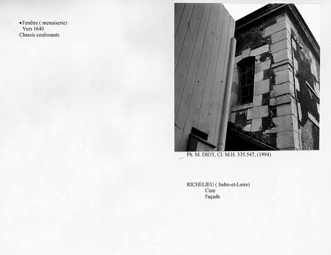 Fenêtre de la façade. Châssis coulissants