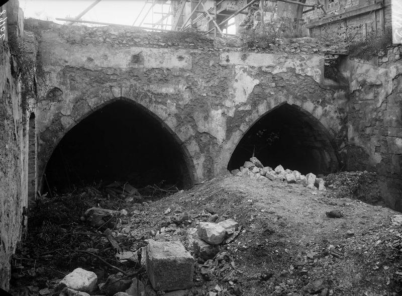 Arcades du mur mitoyen (3 rue de Sedan)