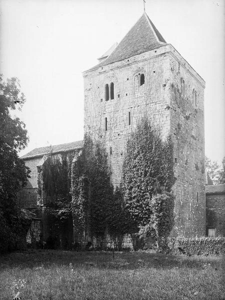 Clocher, façades ouest et nord