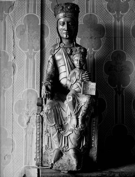 Statue en argent : Vierge à l'Enfant assise,  vue de face