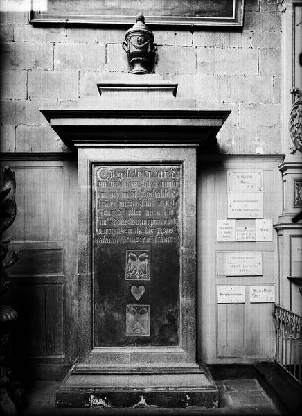 Sarcophage, tombeau du coeur de du Guesclin