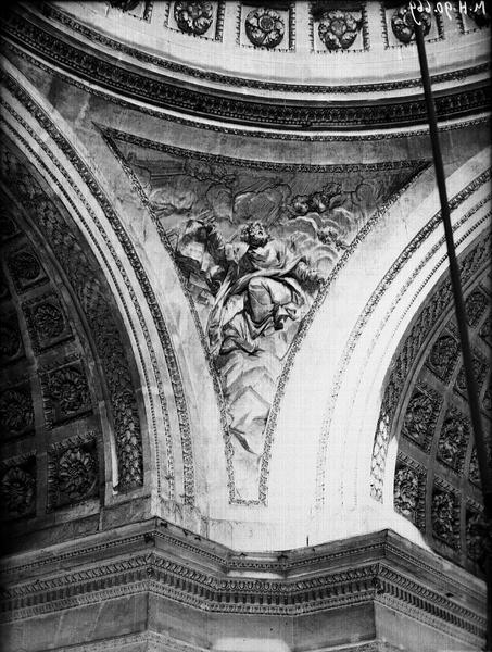 Ecoinçon, bas-relief sculpté de la coupole, un apôtre