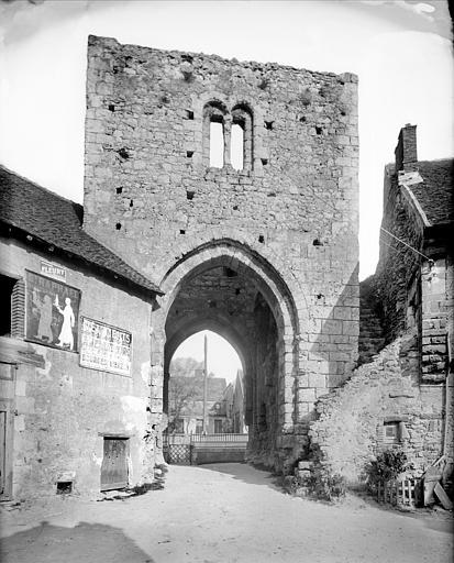 Porte nord dite porte d'En-Haut : vue intra-muros