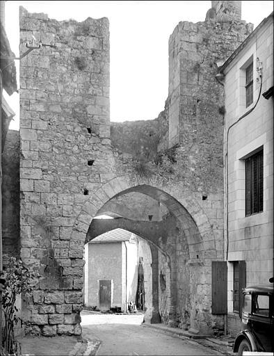 Porte est, dite porte Bonne-Nouvelle : vue intra-muros