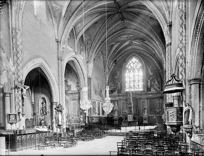 Vue intérieure de la nef et du choeur, vers le nord-est