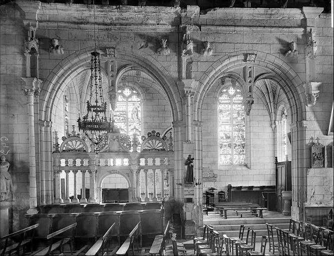Vue intérieure de la nef, côté sud : chapelle