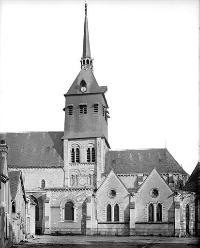 Façade sud : clocher et abside