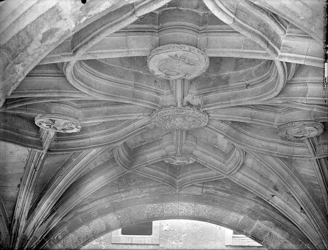 Vue intérieure de la chapelle : voûte