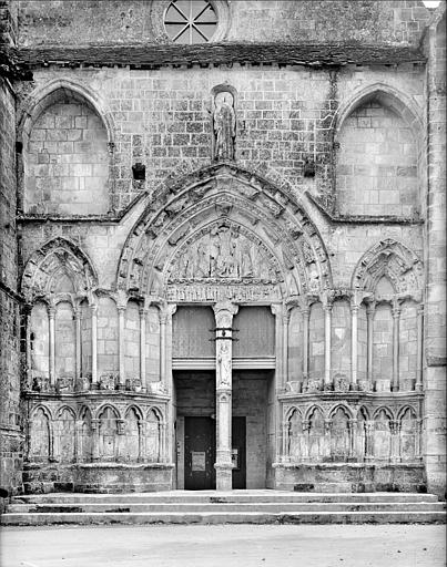Portail de la façade nord