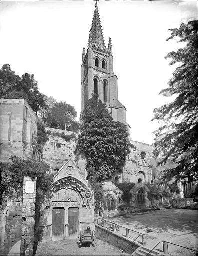 Ensemble sud : portail et clocher