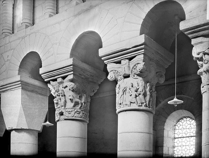 Chapiteaux historiés de la nef, côté sud