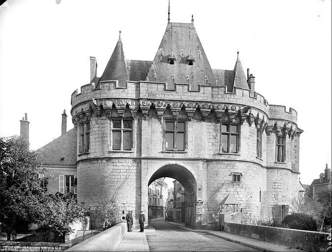 Ancienne porte Saint-Georges