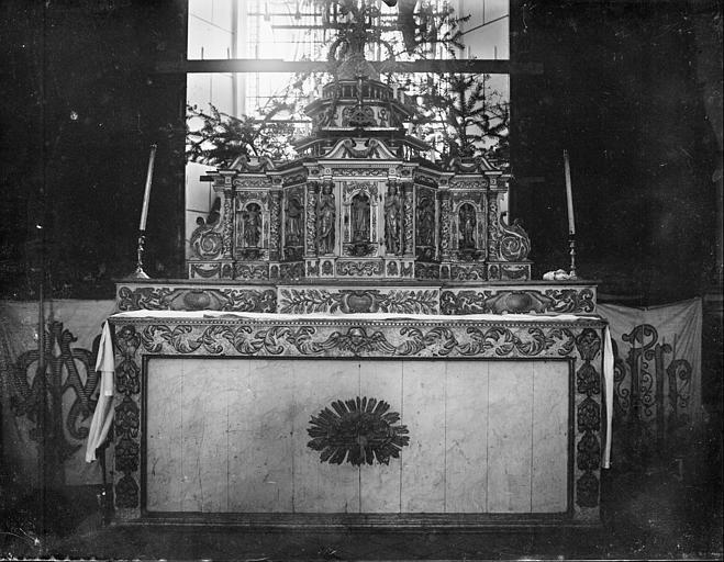 Autel et tabernacle en bois peint et sculpté